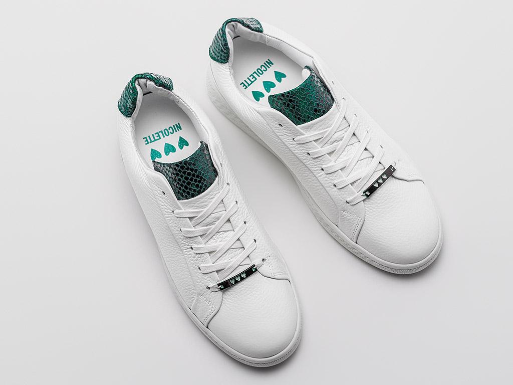 nicolette-van-dam-rehab-sneaker-ziya